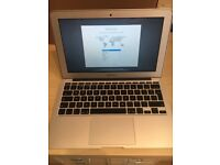 """Apple MacBook Air 11"""" 2014 Core i5 1.4Ghz 4GB 128GB SSD Near Mint Condition original box & charger"""
