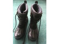 Regatta High leg hiking boots size 8