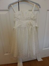 White Girls Dress, almost new,for 4-6 years old