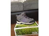 Ladies Hiking Boots Waterproof size 5 never been worn
