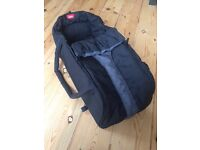 Phil & Teds cocoon carry cot
