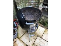 Weber Charcoal BBQ 57cm new lid and thermometer