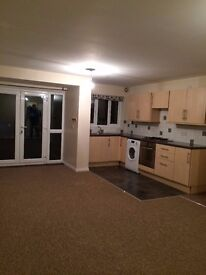 Stunning 2 (double) Bed House For Rent with En-Suit, Walk-in Dressing Room and Bedroom Balcony