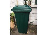 Wheelie bin 140 litres green