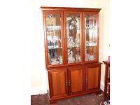Wall unit / display cabinet