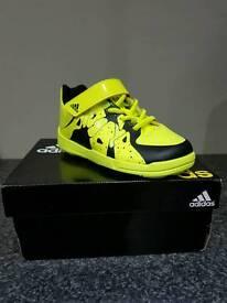 Adidas infant indoor football boots