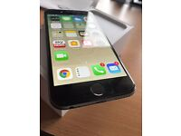 I phone 6 16 GB Space Grey Unlocked Immaculate Condition