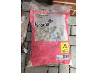7 x bags White pebbles - FOR SALE