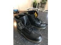 """Doctor Martens Classic size 9 boots """"NEW """""""