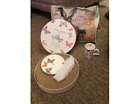 Beautiful butterfly/summer breeze/all of flutter Laura ashley cake stand and mugs. Practically new.