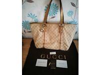 Gucci Shoulder Bag In GG print