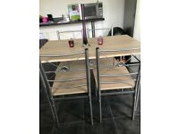 Small size table and 4 chairs