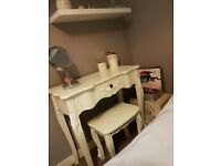 White wooden dressing table/desk