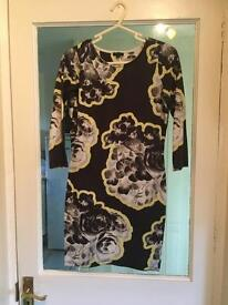 River island Size 10 bodycon dress