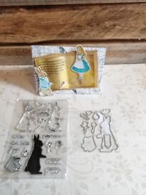 Craft stamp and cutting die set