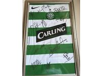 2005 Celtic players football top signed