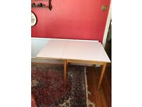 Extendable Dining Table. £10