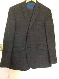 40% Taylor and Wright men's wool suit brand new