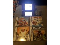 Dsi XL console with 4 games