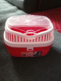 redn white medium pet carrier box