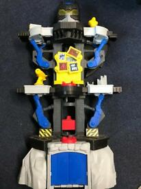 Batman toy with figures and rocket £60 rrp