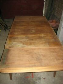Vintage Extending Wooden Dining / Kitchen Table for Refurbishment or Upcycling