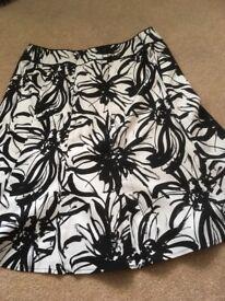 Womens size 14 skirt in exellent condition collection only.