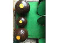 3xCrown Green Lawn Bowling Balls&Bag-£25