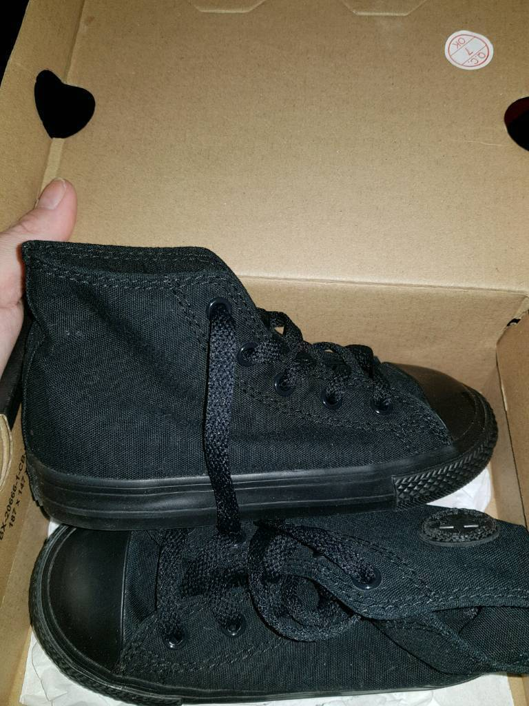 4c6aeee254edf3 Brand new in box all black converse kids size 9