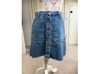 Primark button up denim blue A-line skirt with frayed edges - size 10