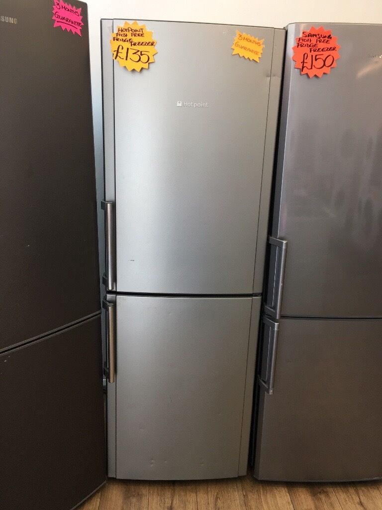 HOTPOINT FROST FREE FRIDGE FREEZER IN SILIVER