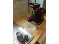 Matstone 6 in 1 Juicer / Pasta maker / Grinder