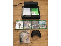 Hardly Used Xbox One 500GB with Kinect Sensor and Games Bundle in Very Good Condition.