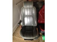 Range Rover Front seats on brackets to fit T5 and single seat bases. Screens in headrests