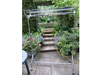 Clothes rail, very good condition, heavy duty, very strong structure, on wheeels