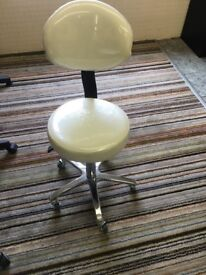 White gas lift stool with back