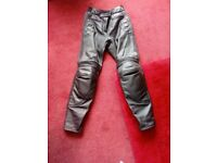LADIES LEATHER AKITO MOTORCYCLE TROUSERS SIZE 12