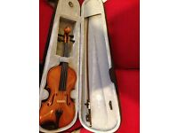 "Stringers Viola. Good condition 3/4 size (14"")"