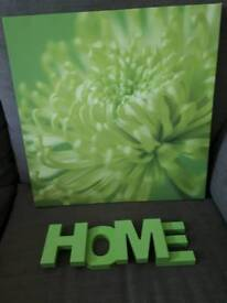 "Green Flower Canvas picture and ""Home"""