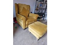 Gold coloured swade bay leather reclining chair and footstool in great condtion only 3 years old