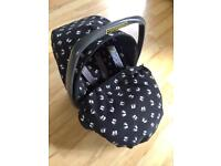 Britax Baby Car Seat with removable Hood and Cosy Toes Blanket