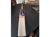 Powerfull English Willow Cricket Bat HUGE 34 mm Edge 8 Top Grains 2.7 Weight