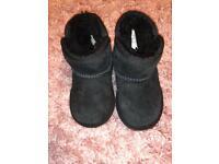 UGG girl boots size 5 UK toddler black