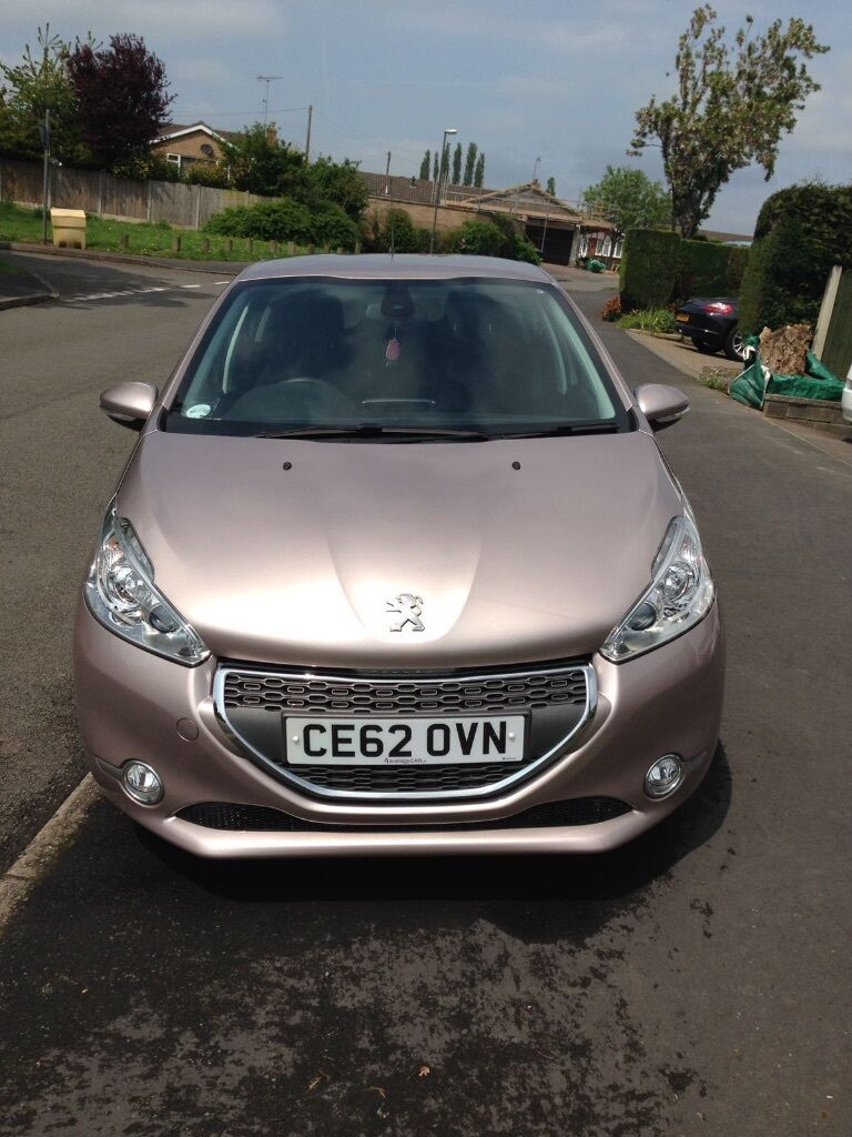 peugeot 208 rose quartz colour 3 years old 2 owners from new full service history in. Black Bedroom Furniture Sets. Home Design Ideas