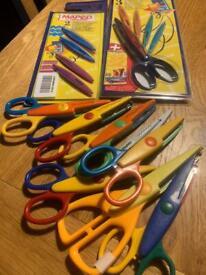 Funky scissors (Creative Cutting) plus box 😊