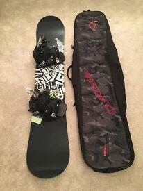 Awesome snowboard setup GNU GT series board, flow bindings, DK bag