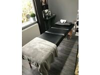 Massage bed / couch / beauty bed