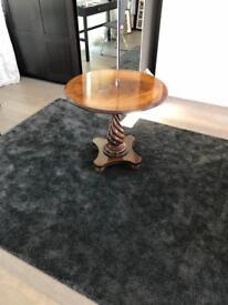 Beautiful round mahogany pedestal side table