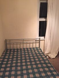 Double room to rent - in Cathays, 3rd year students.