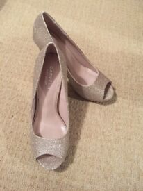 Shoes size 6, clutch bag and fascinator